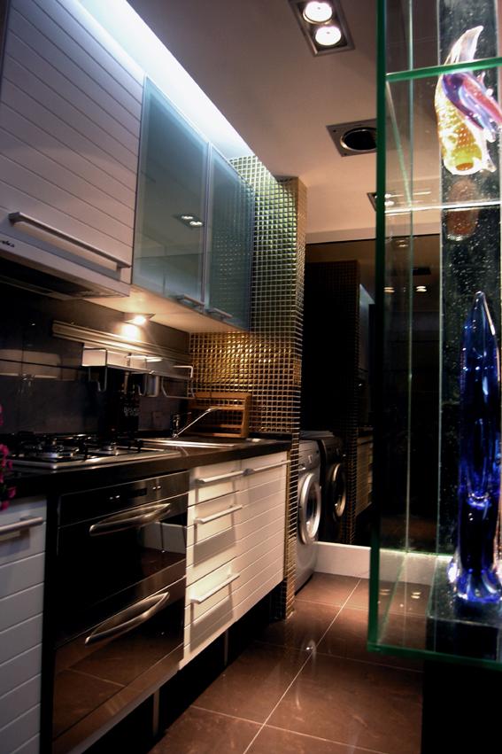 简约 混搭 二居 白领 收纳 80后 厨房图片来自武汉实创装饰在东丽国际展现绚丽现代的分享