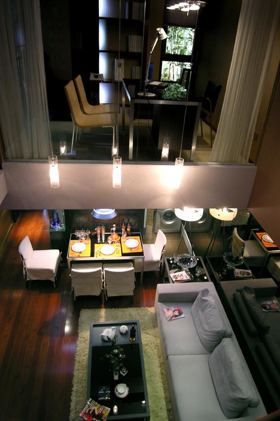 简约 混搭 二居 白领 收纳 80后 客厅图片来自武汉实创装饰在东丽国际展现绚丽现代的分享