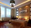国画.吊灯将中式风格延伸进卧室,碎花窗帘.藕红色床头背景使得整个卧室更女性化.