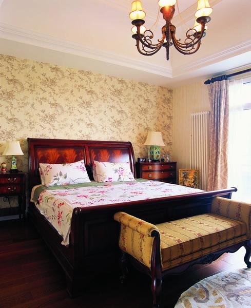 卧室图片来自元洲胡彩霞在混搭三层别墅-卡尔生活馆的分享