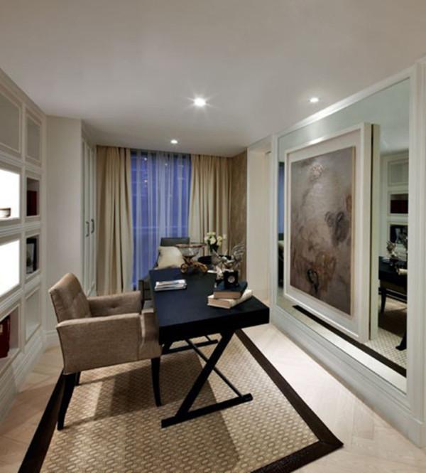 三个卧室和书房的分配使用,设计更为合理,空间使用更好,风格更加淡雅舒适。