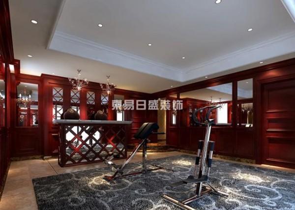 注重装饰效果,用室内陈设品来增强历史文脉特色,往往会照搬古典设施、家具及陈设品来烘托室内环境