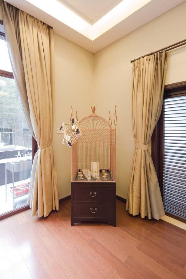 新中式 别墅 衣帽间图片来自东易力天装饰公司在优雅大气的分享