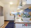 厨房亦是一样的干净整洁大方帅气,在这样的环境里做菜,才是人生享受!