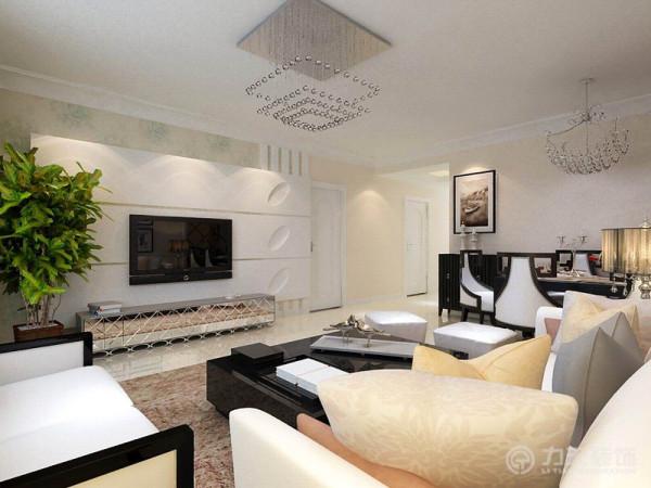 在客厅区域的家具选用上,主要是搭配整个硬装设计,选用了浅色系的沙发、配饰,整个空间清新典雅。