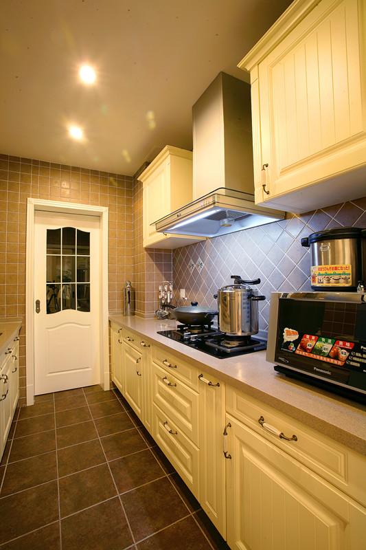 欧式 三居 白领 欧式古典 厨房图片来自超凡装饰季国华在中原万达广场欧式古典风格设计的分享