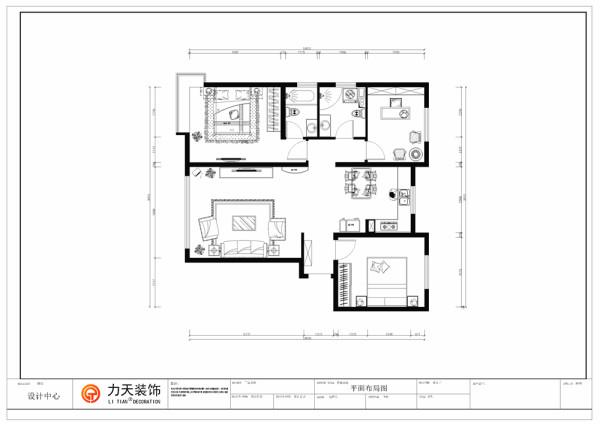 过道的右面是餐厅,餐厅与厨房在同一空间里面,厨房为开放式的厨房,厨房也无阳台,过道的尽头的左面是主卧室,主卫包含在主卧里面,右面是书房,主卫与书房之间是客卫,所以空间都比较宽敞。