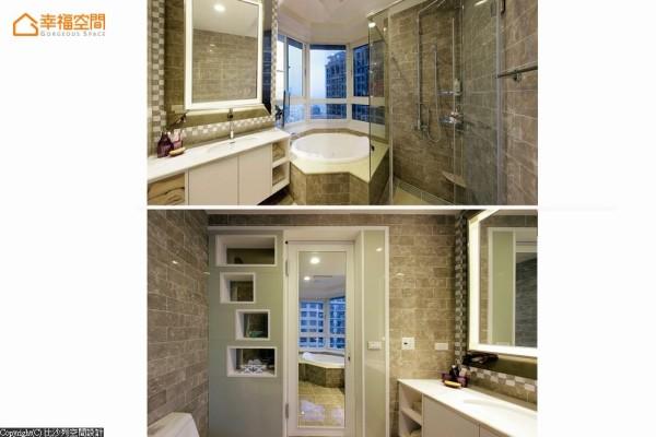 隐于床尾后方的卫浴空间,门背覆以穿衣镜面为美背设计,提升沐浴、更衣的方便性。