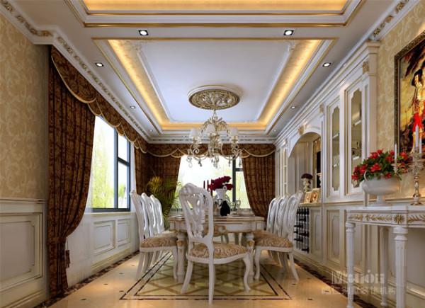 延续了客厅简约、大方的装饰基调。乳白色的家具和墙包,使空间感觉更加纯净,细节处辅以金色的花边式样,呈现一种低调的华贵。