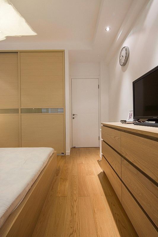 卧室图片来自家装大管家在69平宜家控北欧简约现代混搭设计的分享