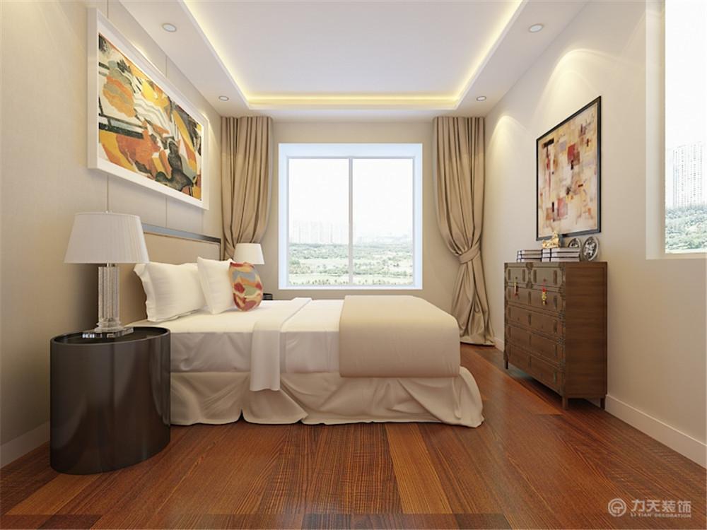 家里卧室装修图片_主卧室位于房间的西侧,带有飘窗,可供业主休憩,两面墙均有 ...