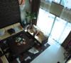 """公园大地新中式别墅客厅家私:沙发背景装饰特色皮革硬包,组合沙发简约的造型加上精致细腻的雕花,彰显高贵品质!形成时尚与古典的柔美结合!使""""新中式""""更加实用,更富现代美感。"""
