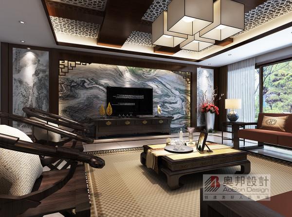 中国传统室内陈设包括字画、匾幅、挂屏、盆景、瓷器、古玩、屏风、博古架等,追求一种修身养性的生活境界。中国传统室内装饰艺术的特点是总体布局对称均衡,端正稳健,