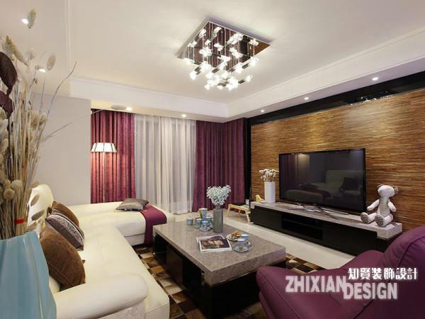 客厅背景墙采用了木地板上墙,木质条状的纹理,有一种时光永恒的意境,家具都是现代风格,配合或自然或雅致的插花和布艺点饰,整个室内空间以幽静休闲,轻松舒适为主导。