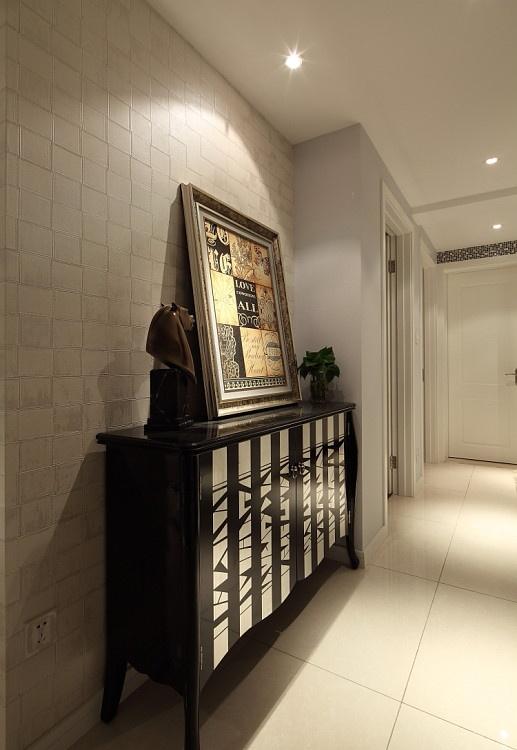 时尚 三居 现代 玄关图片来自合建装饰李世超在时尚经典三居室的分享