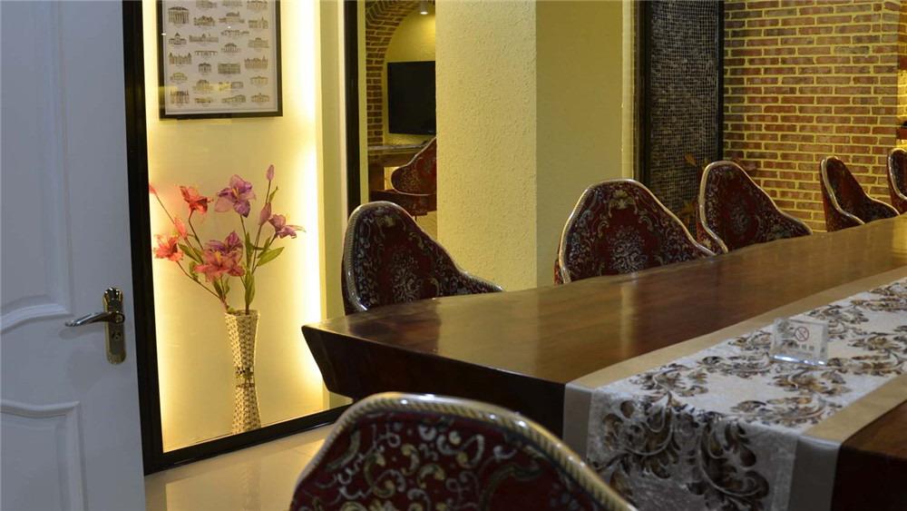 简约欧式 别墅 高度国际 装修设计 高度希文 其他图片来自高度国际装饰宋增会在通州红酒体验馆 别墅 简约欧格的分享