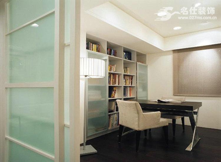 简约 二居 白领 收纳 旧房改造 80后 小资 书房图片来自名仕装饰-小飞在平安光谷春天强有力的质感的分享