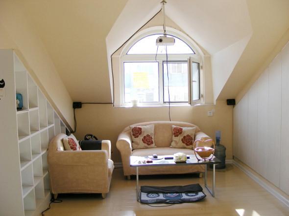 旧房改造 收纳 客厅图片来自今朝装饰老房专线在阁楼装修,沁春家园的分享