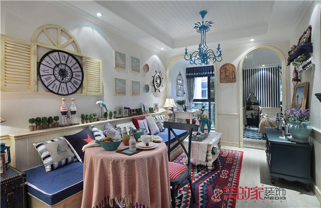 客厅图片来自重庆美的家装饰谭权在美的家装饰【西西里洋房】的分享