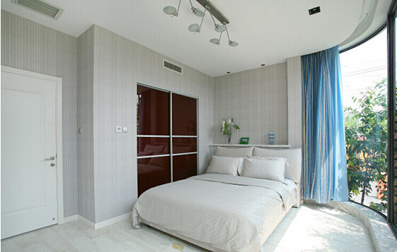 卧室图片来自佰辰生活装饰在14万造就180平复式简约美居的分享