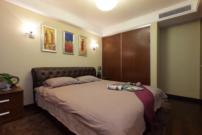 现代简约 三居室设计 卧室图片来自上海实创-装修设计效果图在136平现代简约清爽舒适家居风的分享