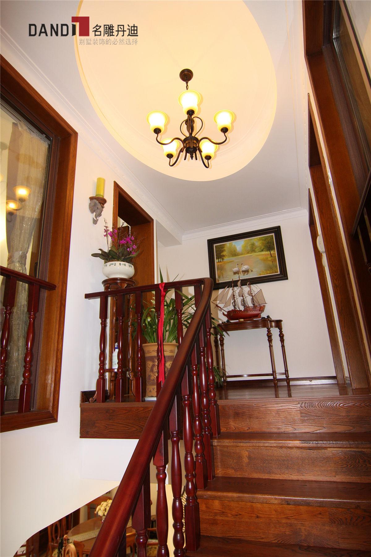 美式 美式别墅 星河丹堤 别墅 名雕丹迪 高富帅 豪宅设计 楼梯 楼梯图片来自名雕丹迪在美式风格星河丹堤别墅的分享
