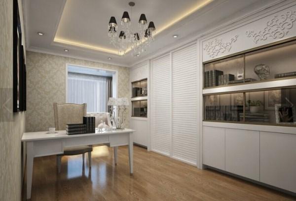 家具门窗多漆为白色,画框的线条部位装饰为线条或金边,在造型设计上既要突出凹凸感,又要有优美的弧线