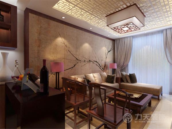 沙发背景墙是以一幅中式的画来搭配,整体的家具都是选用红桃木色的家具,所以的空间都是以白墙为主。