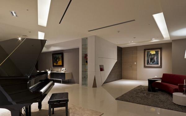 以艺廊作为设计主轴,将屋主的收藏精心构置在最合适的地方。