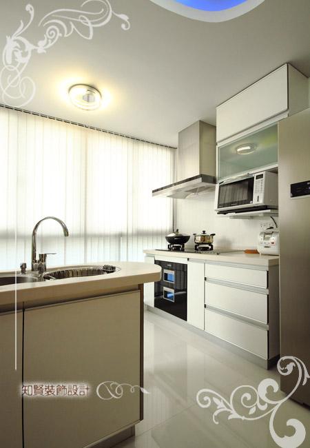 厨房图片来自上海知贤设计小徐在黑白演绎流行风尚----现代简约的分享