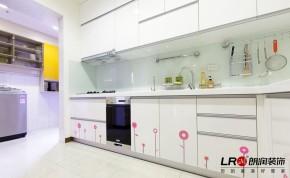 简约 现代 小清新 小资 三居 80后 收纳 厨房图片来自朗润装饰工程有限公司在小资135平小清新舒适现代三居的分享
