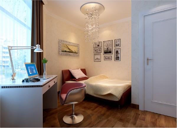 一张桌.一张床,几幅相框……简单就是舒服的生活.