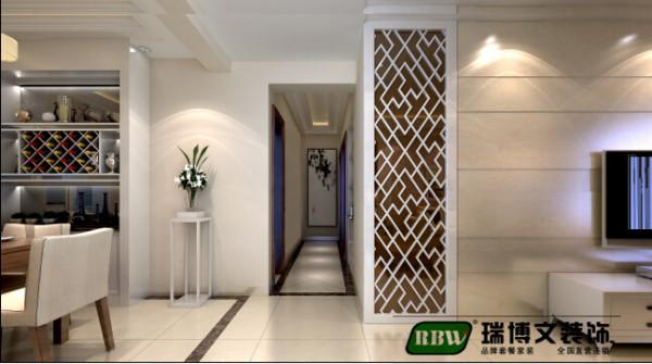 设计采用了较为简约的现代造型设计,以明亮、干净的白色调为主,搭配简洁的家具和时尚感极强的装饰元素以及镂空,营造出简约而不失细节感受的装修内涵