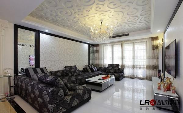客厅细节,别出心裁的吊顶,沙发背景墙纸呼应,搭配色调分明的沙发,整个空间主次分明,清新时尚!