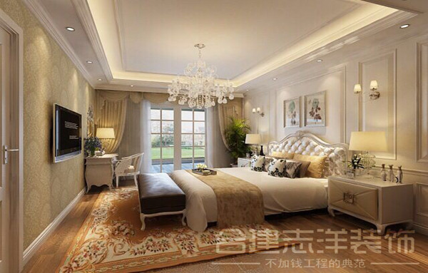 主卧室:利用暖色壁纸,体现温馨空间。
