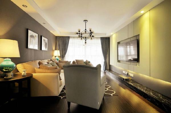 电视墙和电视柜的规划相对简单,但却是不是创意和美观。