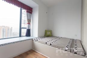 二居 现代 小清新 卧室图片来自四川欢乐佳园装饰在紫东芯座小清新的浪漫情怀的分享