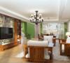 客厅作为待客区域,一般要求简洁明快,同时装修较其它空间要更明快光鲜,通常使用大量的石材和木饰面装饰;美国人喜欢有历史感的东西,
