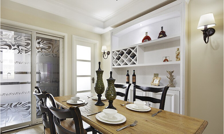 三居 美式 餐厅图片来自佰辰生活装饰在【高清】140平豪装优雅美式三居的分享