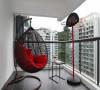 阳台上放上这样一个休闲的小座椅,是不是很好呢??