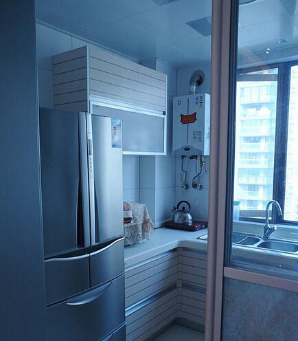 厨房图片来自佰辰生活装饰在10万打造91平时尚清新两居的分享