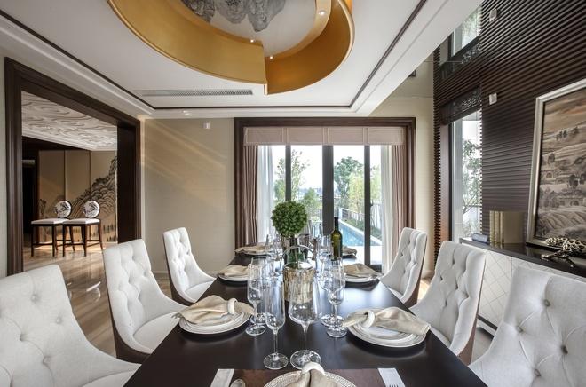 别墅 新古典设计 高雅大气 时尚温馨 80后 餐厅图片来自上海实创-装修设计效果图在245平新古典时尚别墅的分享