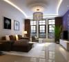 1、电视背景墙通过简单的有色漆涂装,成为简约风格客厅的中心点,为房间注入了波普元素。2、由多组动线组成的异性吊顶配合丰富的照明,使看似简约的客厅内藏玄机,与众不同。