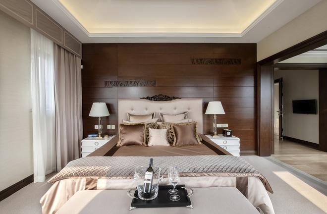 别墅 新古典设计 高雅大气 时尚温馨 80后 卧室图片来自上海实创-装修设计效果图在245平新古典时尚别墅的分享