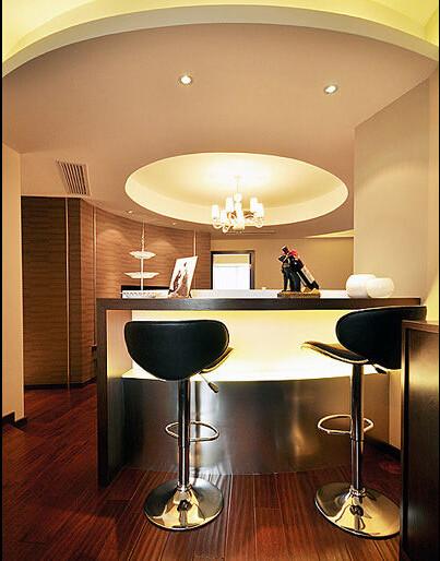 很喜欢这个吧台,休闲时刻在这里喝点小酒,泡点咖啡,很享受的。