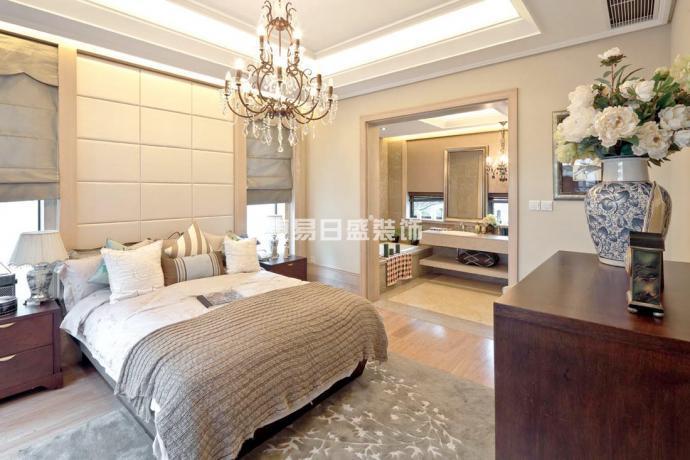 卧室图片来自武汉东易日盛在碧桂园生态城--欧式古典--王韶鑫的分享
