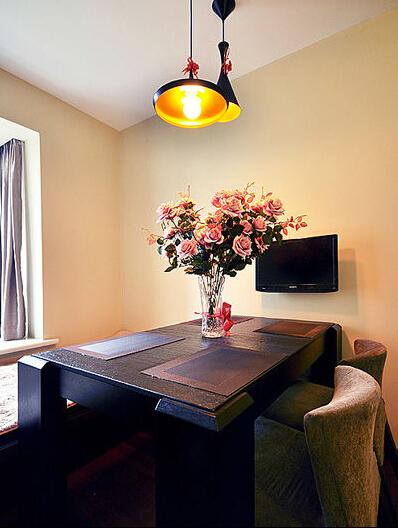 简约 二居 餐厅图片来自佰辰生活装饰在风格独特品味时尚简约两居的分享