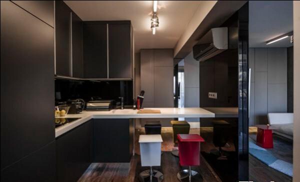 厨房连着吧台,方面时尚,又节省空间