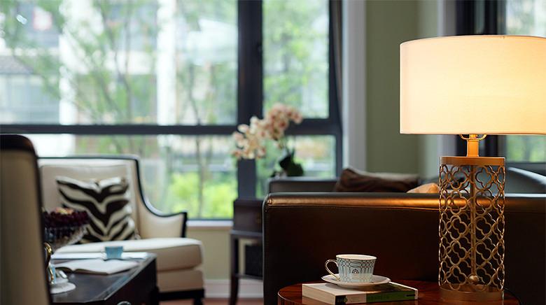 客厅图片来自家装大管家在我们的小时代 168平美式淡雅4居的分享