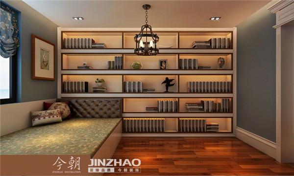 书房没有进行太多复杂的造型设计,一整面墙的书柜,嫩嫩个满足很大部分的书籍整理摆放。靠近窗户处, 打制了 一个榻榻米,休闲娱乐休息,化为一体,将空间最大化利用起来。